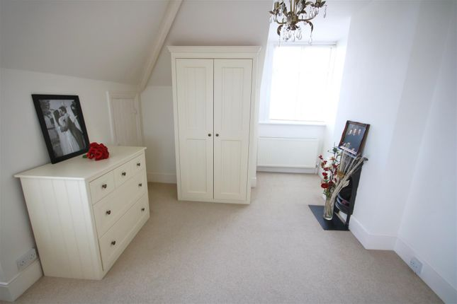 Bedroom 1 of Connaught Avenue, Frinton-On-Sea CO13