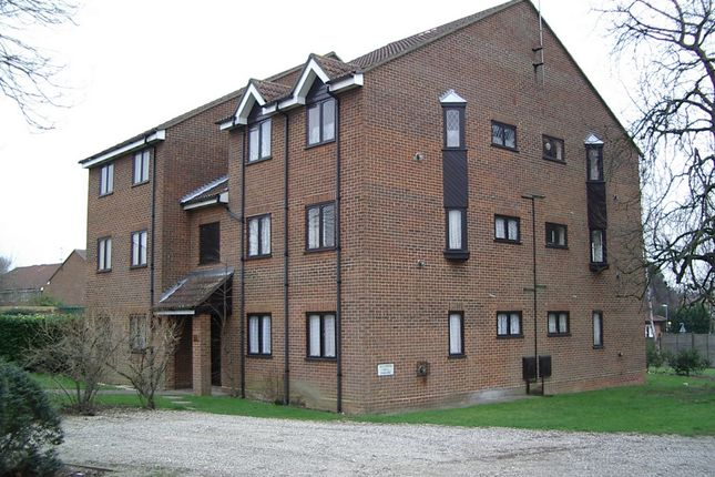 Thumbnail Flat for sale in Wellington Road, North Weald