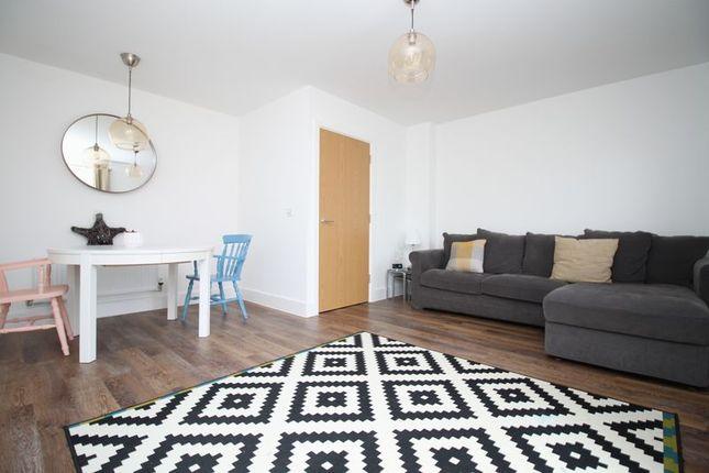 Living Area of Kingsman Drive, Botley, Southampton SO32