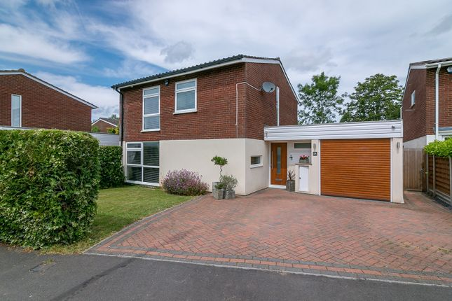 Thumbnail Detached house for sale in Penn Way, Letchworth Garden City