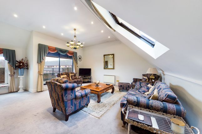 Living Room of The Forresters, Winslow Close, Eastcote HA5