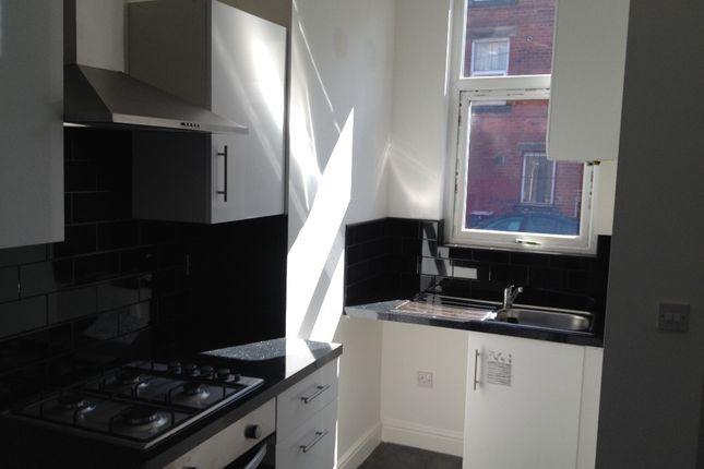 Thumbnail Terraced house to rent in Royal Park Terrace, Leeds, West Yorkshire