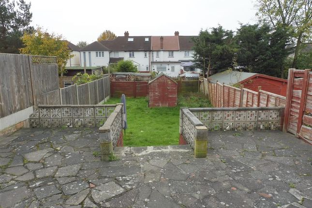 Thumbnail Semi-detached house to rent in Wood End Lane, Northolt