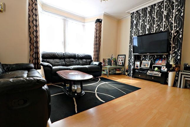 Thumbnail Property for sale in Felbrigge Road, Ilford
