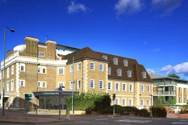 Thumbnail Flat to rent in Kew Bridge, Brentford