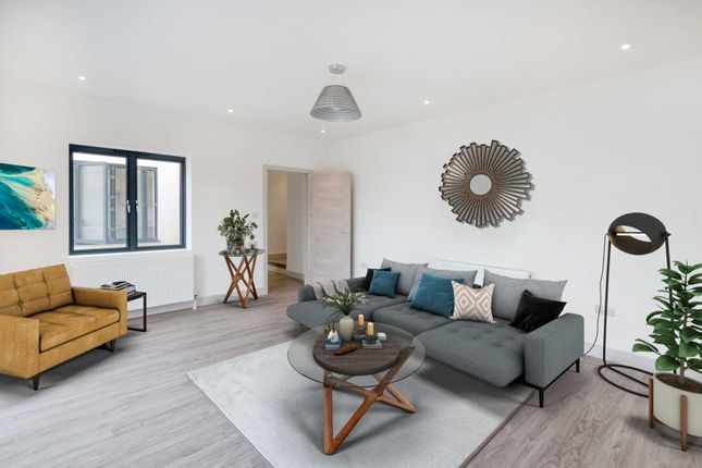 Thumbnail 3 bed flat for sale in Kingston Road, South Wimbledon
