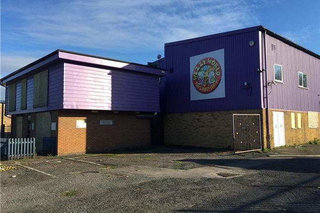 Thumbnail Warehouse to let in Unit 6, Invincible Road Industrial Estate, Farnborough, Hampshire, UK
