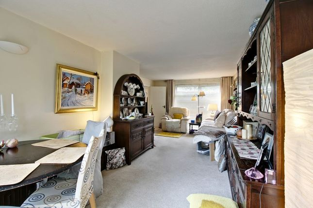Living Room of Mortimer Close, Hartley Wintney, Hook RG27