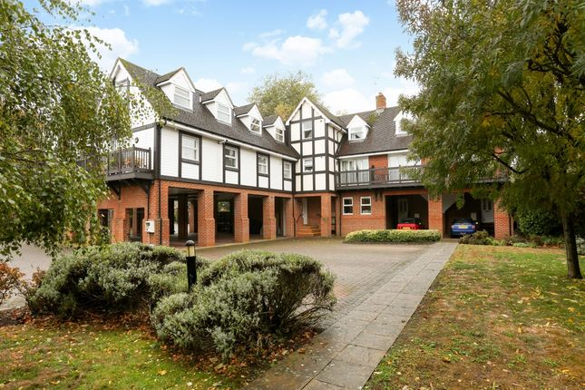 Thumbnail Flat to rent in Straight Road, Old Windsor, Windsor