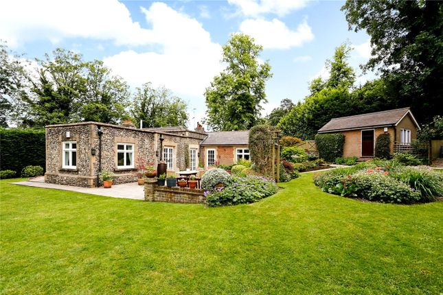 Thumbnail Detached house for sale in Amersham Road, Chesham, Buckinghamshire