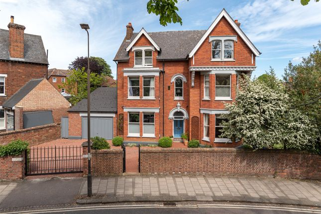 Thumbnail Property for sale in Rothsay Road, Bedford