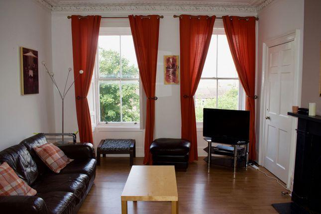 Thumbnail Flat to rent in Gardner's Crescent, Edinburgh