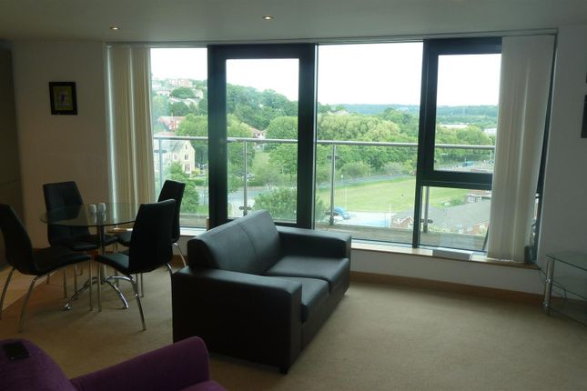 2 bed flat to rent in Salts Mill Road, Baildon, Shipley