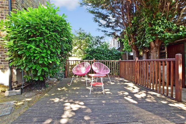 Patio / Decking of Mulberry Way, London E18