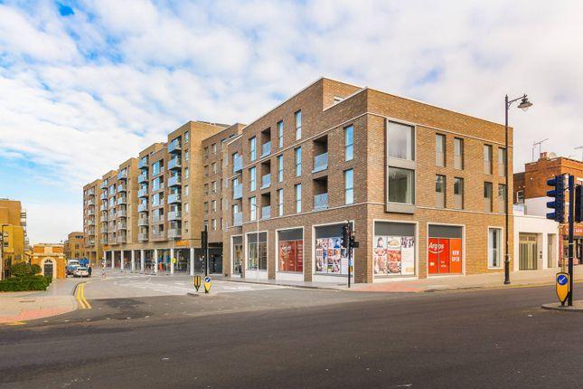 Thumbnail Flat to rent in Smithfield Square, Harringay