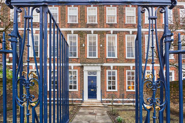 Thumbnail Town house for sale in Richmond Green, Richmond
