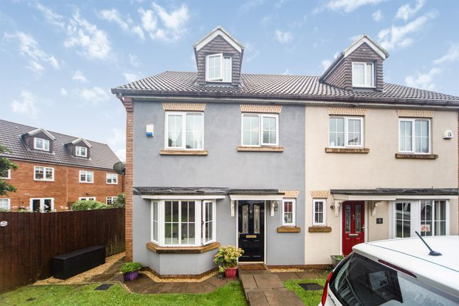 Thumbnail Town house for sale in Nant-Y-Fron, Tonyrefail, Porth
