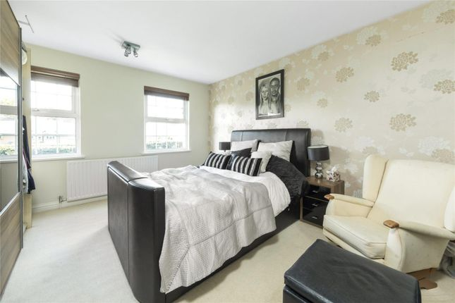 Picture No. 10 of Culverden Terrace, Oatlands Drive, Weybridge, Surrey KT13