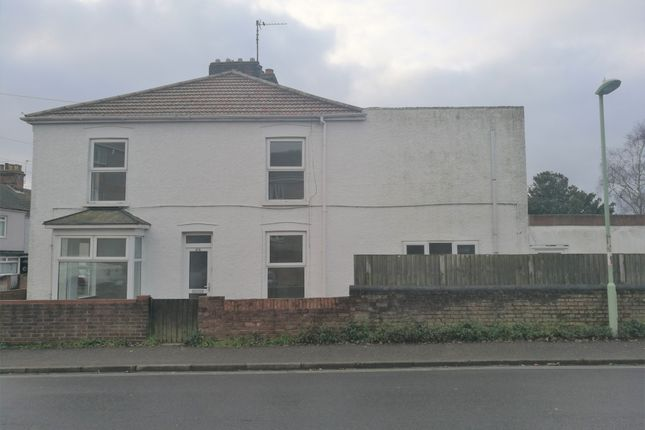 Thumbnail End terrace house to rent in Love Road, Lowestoft