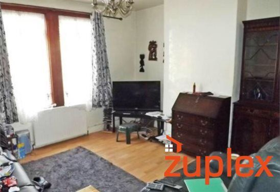 Thumbnail Terraced house for sale in Queens Road, Waltham Cross