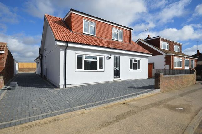 Thumbnail Detached bungalow for sale in Warden Hill Road, Luton