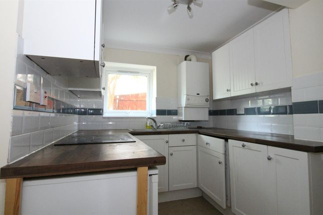 1 bed flat to rent in Galsworthy Drive, Caversham Park Village, Reading