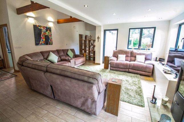 Lounge of The Close, Corton, Lowestoft NR32