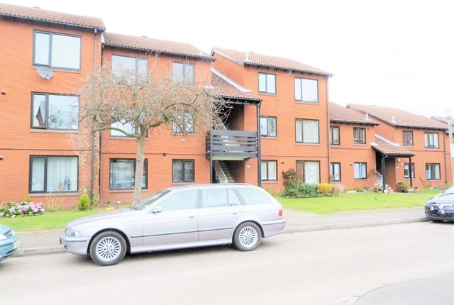 Thumbnail Flat to rent in Tithe Barn Close, Kingston Upon Thames, Surrey