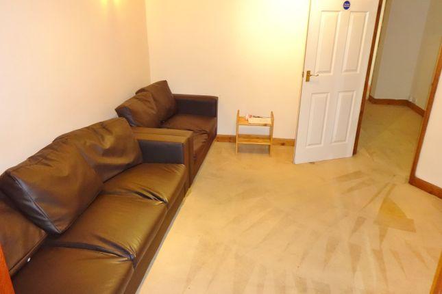 Thumbnail Property to rent in Newcroft Close, Uxbridge