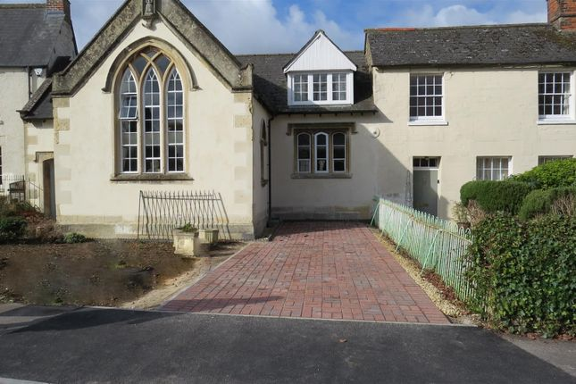 Town house for sale in The Green, Calne