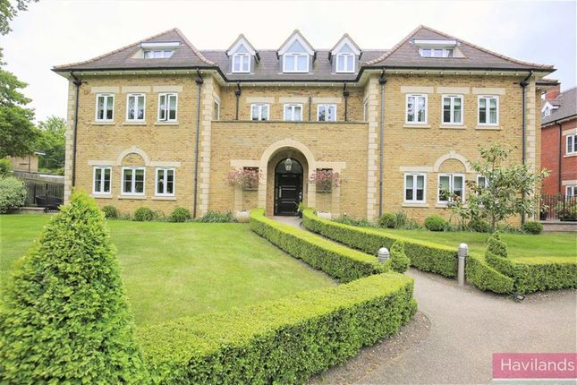 Thumbnail Flat for sale in Amara Lodge, Hadley Wood, Herts
