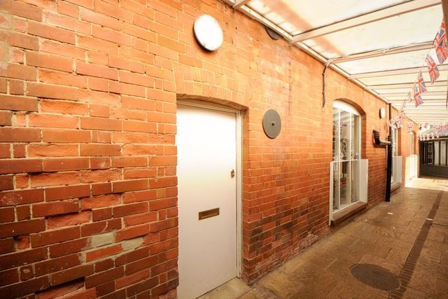 1 bed flat for sale in Market Place, Wantage