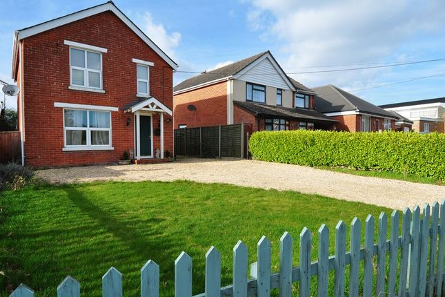 Thumbnail Detached house for sale in Winsor Road, Winsor, Southampton