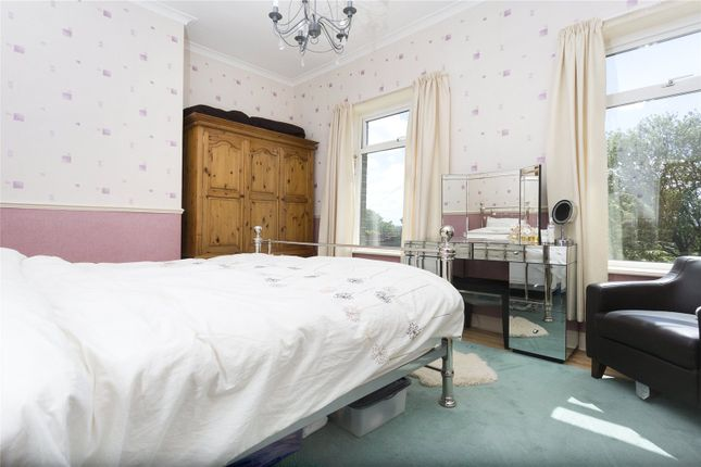 Picture No. 01 of William Street, Staincliffe, Dewsbury, West Yorkshire WF13