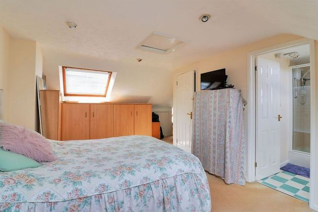 Bedroom 1 of Northfield Close, Clanfield, Waterlooville PO8
