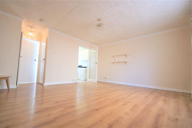 Studio to rent in Rosedene Court, Ickenham Road, Ruislip, Middlesex