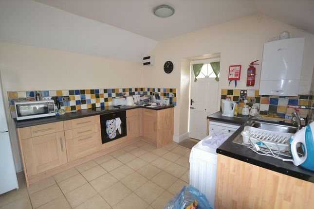 Thumbnail Property to rent in Picton Terrace, Carmarthen