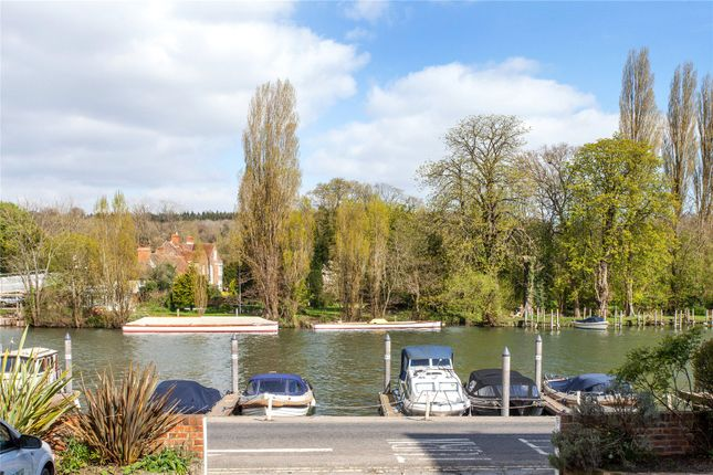 Thumbnail Flat for sale in Baltic Court, Thameside, Henley-On-Thames, Oxfordshire