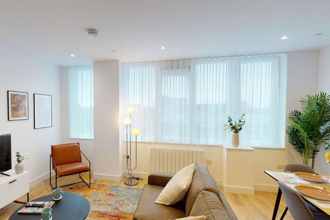 2 bed flat to rent in 1 Lampton Road, Hounslow TW3