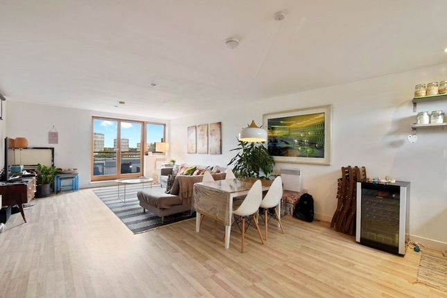 Thumbnail Flat to rent in 4 Meath Crescent, Bethnal Green, England