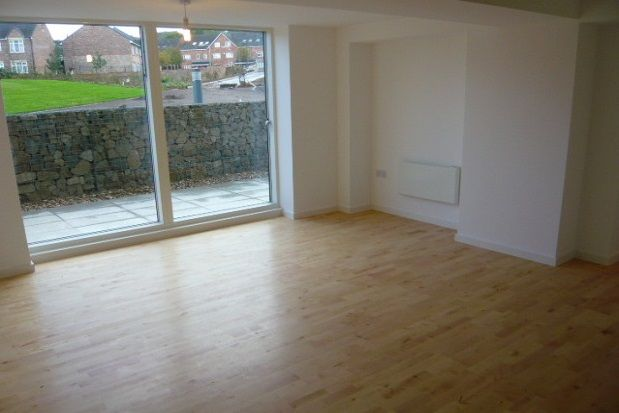 1 bed flat to rent in The Avenue, Leeds