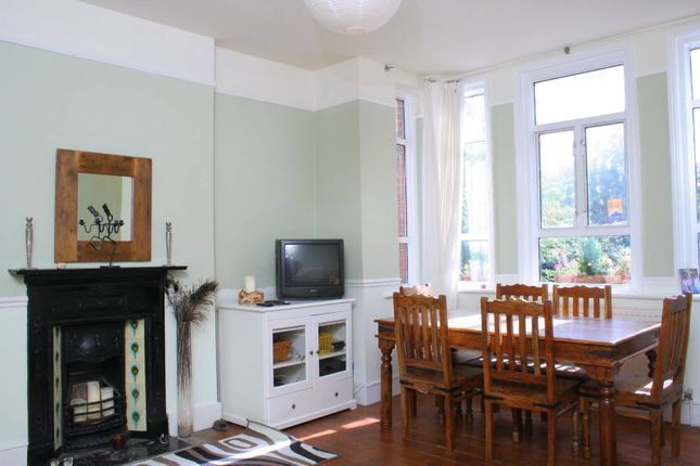Thumbnail Flat to rent in Grove Park, Camberwell