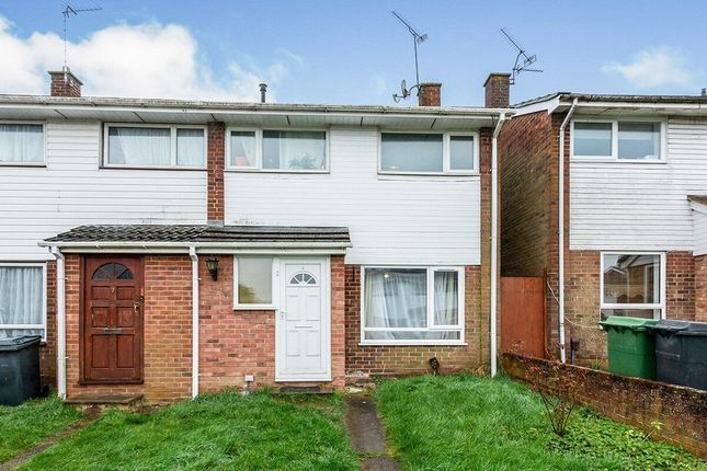Thumbnail Semi-detached house to rent in Fabian Close, Basingstoke