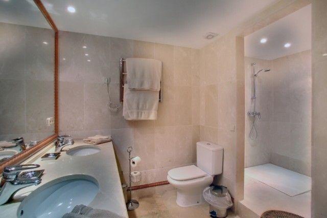 21 Bathroomº of Spain, Málaga, Benahavís