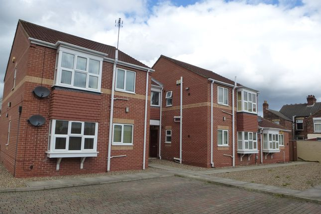 Thumbnail Flat for sale in Cadets Court, Hull