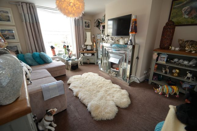 Thumbnail Flat for sale in Brunswick Place, Dawlish