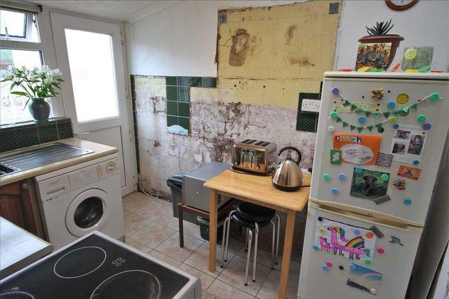 Kitchen of Jones Street, Blaenclydach, Tonypandy CF40