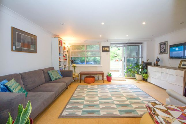 Thumbnail Flat for sale in Croydon Road, Penge