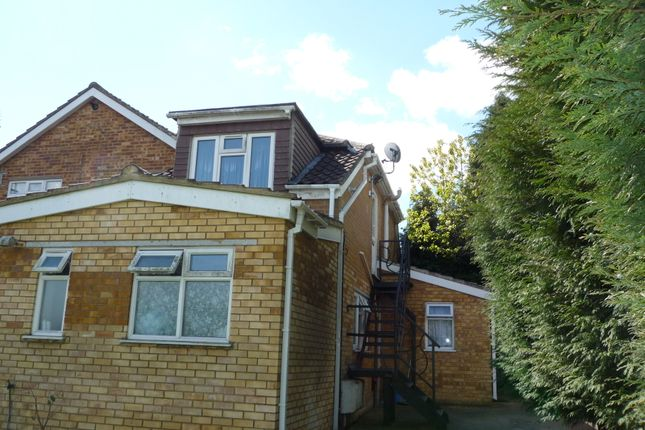 Thumbnail Flat to rent in Telford Way, High Wycombe