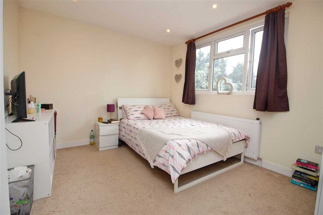 Bedroom 1 of Maxwelton Close, Millhill, London NW7